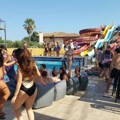 Отель Perkes Complex бассейн