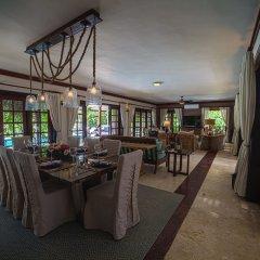 Отель Hacienda A-19 гостиничный бар
