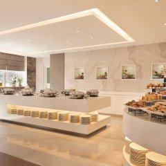 Отель Ramada Corniche Абу-Даби питание фото 2
