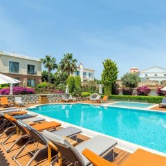Antmare Hotel Чешме бассейн