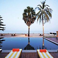 Отель The Beach Boutique Resort бассейн