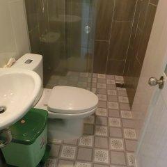 Отель Language Exchange ванная