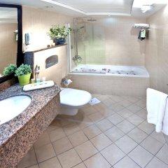 Corp Executive Hotel Doha Suites ванная