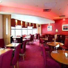 Отель Premier Inn Manchester City Centre - Portland Street Великобритания, Манчестер - отзывы, цены и фото номеров - забронировать отель Premier Inn Manchester City Centre - Portland Street онлайн гостиничный бар
