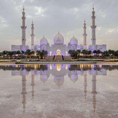 Отель Andaz Capital Gate Abu Dhabi - A Concept By Hyatt Абу-Даби приотельная территория фото 2