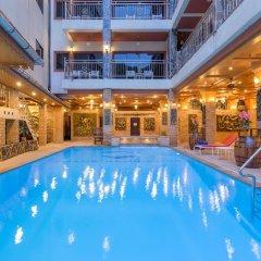 Отель Chang Residence бассейн