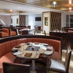 Отель Four Points by Sheraton Sharjah питание фото 2