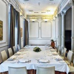 Отель NH Collection Palacio de Tepa