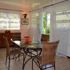 Отель Maison Te Vini Holiday home 3 Французская Полинезия, Пунаауиа - отзывы, цены и фото номеров - забронировать отель Maison Te Vini Holiday home 3 онлайн питание фото 2