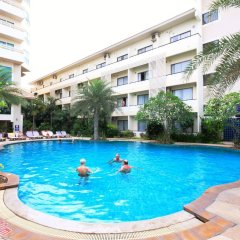 Отель Sea Breeze Jomtien Resort бассейн фото 3