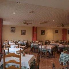 Отель Hostal Pirineos Ainsa Испания, Аинса - отзывы, цены и фото номеров - забронировать отель Hostal Pirineos Ainsa онлайн питание фото 2