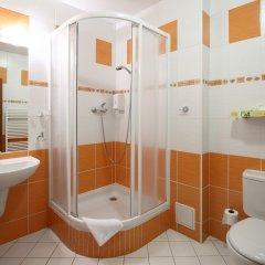 Отель Palace Чехия, Пльзень - отзывы, цены и фото номеров - забронировать отель Palace онлайн ванная