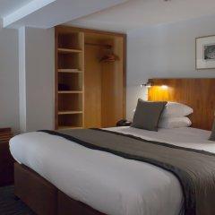 54 Queens Gate Hotel комната для гостей