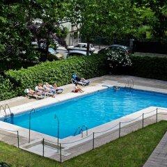 Отель Senator Barajas бассейн фото 3