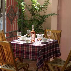 Отель Red Ceramics Homestay питание