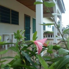 Отель Twitter Paradise Guest House Гана, Такоради - отзывы, цены и фото номеров - забронировать отель Twitter Paradise Guest House онлайн балкон