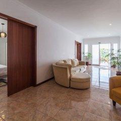 Отель With 3 Bedrooms in Caloura, With Furnished Terrace and Wifi Португалия, Агуа-де-Пау - отзывы, цены и фото номеров - забронировать отель With 3 Bedrooms in Caloura, With Furnished Terrace and Wifi онлайн комната для гостей