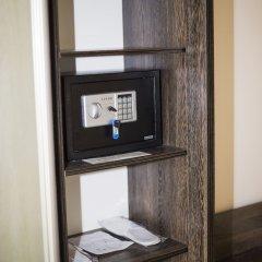 Гостиница Golden Palace сейф в номере