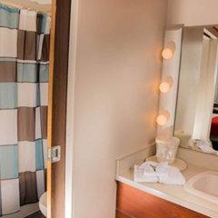 Отель Pauls Motor Inn Канада, Виктория - отзывы, цены и фото номеров - забронировать отель Pauls Motor Inn онлайн ванная фото 2