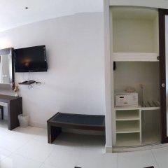 Отель April Suites Pattaya Паттайя сейф в номере