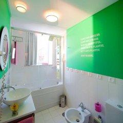 Отель Internacional Design Hotel - Small Luxury Hotels of the World Португалия, Лиссабон - 1 отзыв об отеле, цены и фото номеров - забронировать отель Internacional Design Hotel - Small Luxury Hotels of the World онлайн ванная