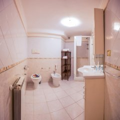 Отель Hillary House Италия, Рим - отзывы, цены и фото номеров - забронировать отель Hillary House онлайн ванная