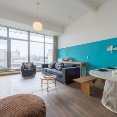 Отель Smartflats Design - Antwerp Central комната для гостей