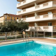 Отель Aparthotel Adagio access Nice Magnan бассейн