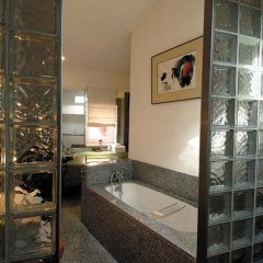 Отель la Tour Rose Франция, Лион - отзывы, цены и фото номеров - забронировать отель la Tour Rose онлайн ванная