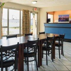 Отель Knights Inn-columbus Колумбус питание