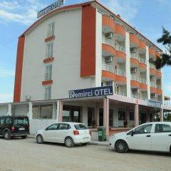 Demirci Hotel парковка фото 2