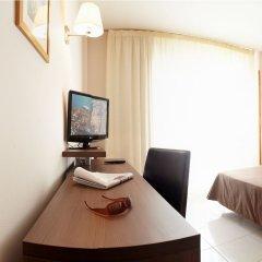 Acqua Hotel Salou Салоу комната для гостей