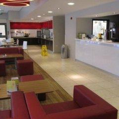 Отель Travelodge Liverpool Central Exchange Street интерьер отеля