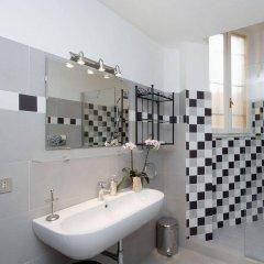 Отель Navona apartments - Pantheon area Италия, Рим - отзывы, цены и фото номеров - забронировать отель Navona apartments - Pantheon area онлайн ванная