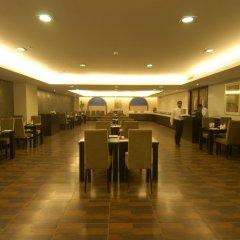 Отель Mapple Emerald New Delhi Индия, Нью-Дели - отзывы, цены и фото номеров - забронировать отель Mapple Emerald New Delhi онлайн питание фото 2
