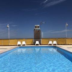 Отель Lisbon Luxe Spacious Flat бассейн фото 2