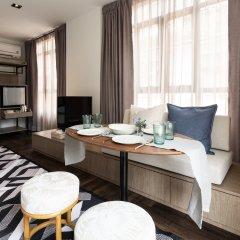 Warm Window Silom - Hostel Бангкок комната для гостей фото 2