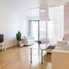 Апартаменты New Modern Apartment with Zizkov Parking комната для гостей фото 3