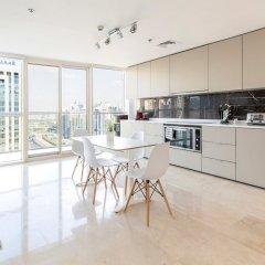 Отель Stunning 4 BDR Penthouse in Dubai Marina в номере