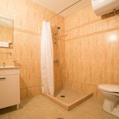 Отель Seven Seasons Hotel Болгария, Банско - отзывы, цены и фото номеров - забронировать отель Seven Seasons Hotel онлайн ванная