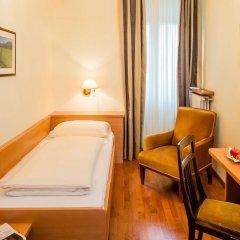 Отель Bavaria Италия, Меран - отзывы, цены и фото номеров - забронировать отель Bavaria онлайн удобства в номере фото 2