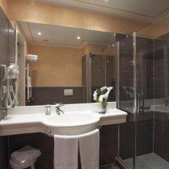 Отель Savoia Hotel Regency Италия, Болонья - 1 отзыв об отеле, цены и фото номеров - забронировать отель Savoia Hotel Regency онлайн ванная
