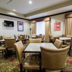 Отель Comfort Inn & Suites Maingate South питание