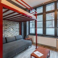 Отель RentPlanet - Apartamenty Graffiti Польша, Вроцлав - отзывы, цены и фото номеров - забронировать отель RentPlanet - Apartamenty Graffiti онлайн комната для гостей фото 3