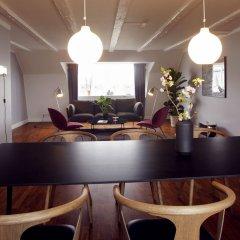 Отель Arthur Aparts Дания, Копенгаген - отзывы, цены и фото номеров - забронировать отель Arthur Aparts онлайн гостиничный бар