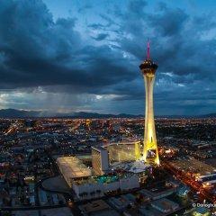 Отель Stratosphere Hotel, Casino & Tower США, Лас-Вегас - 8 отзывов об отеле, цены и фото номеров - забронировать отель Stratosphere Hotel, Casino & Tower онлайн пляж фото 2