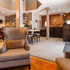 Отель Best Western Royal Palace Inn & Suites США, Лос-Анджелес - отзывы, цены и фото номеров - забронировать отель Best Western Royal Palace Inn & Suites онлайн гостиничный бар