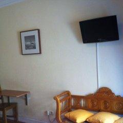 Отель Hostal Aresol Испания, Мадрид - отзывы, цены и фото номеров - забронировать отель Hostal Aresol онлайн удобства в номере фото 2