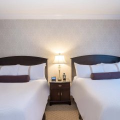 Отель The Sutton Place Hotel - Vancouver Канада, Ванкувер - отзывы, цены и фото номеров - забронировать отель The Sutton Place Hotel - Vancouver онлайн комната для гостей фото 2