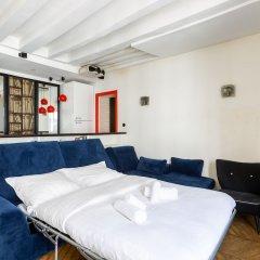 Отель Bauhaus Magic in the Marais Париж интерьер отеля